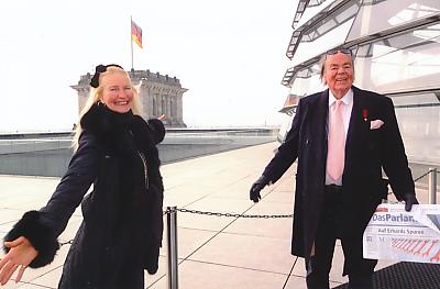 Consul Dr. Weyer – Graf von Yorck nebst Gattin übernehmen neue Botschafter Funktion