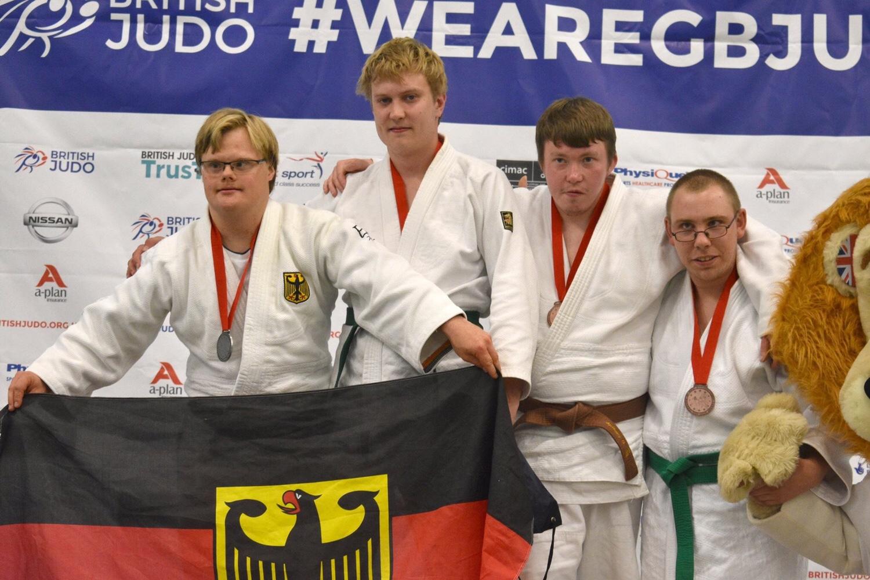 Silbermedaille für Kölner Judoka bei den 1. Judo Europameisterschaften im ID- Judo, für Victor Gdowczok (29) vom JC-Bushido Köln/VG-Project